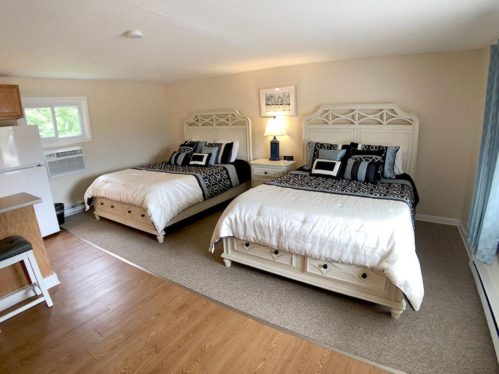 Room 2 - Standard Queen